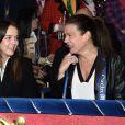 Stéphanie et Pauline bien complices... La princesse Stéphanie de Monaco était accompagnée de ses filles Camille Gottlieb et Pauline Ducruet le 18 janvier 2015 au chapiteau Fontvieille, au 4e soir du 39e Festival International du Cirque de Monte-Carlo.