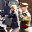 La princesse Diana et le Major James Hewitt photographiés dans une caserne à la fin des années 1980