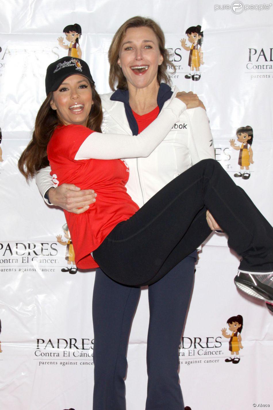 Eva Longoria et Brenda Strong à Los Angeles, le 26 février 2011.