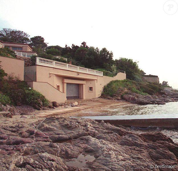 La Villa Sainte-Thérèse, propriété de Mohamed Al-Fayed qui vit naître et abrita l'idylle de Lady Di avec Dodi à l'été 1997, est en vente...