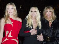 Fashion Week : Kate Hudson et Goldie Hawn, héroïnes chic et sexy de Versace