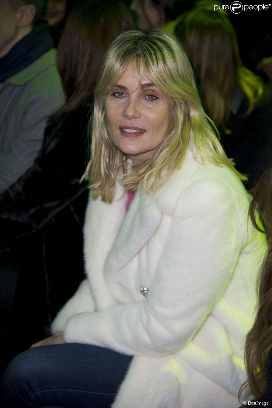 Emmanuelle Seigner assiste au défilé Alexandre Vauthier haute couture printemps-été 2015 au Pavillon Cambon. Paris, le 27 janvier 2015.