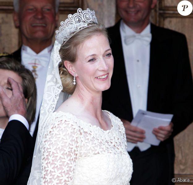 La princesse Nathalie de Sayn-Wittgenstein-Berleburg lors de son mariage religieux avec Alexander Johannsmann lors de leur mariage religieux à Bad Berleburg, le 18 juin 2011.