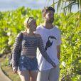 Exclusif - Miley Cyrus et son petit ami Patrick Schwarzenegger en vacances sur la plage de Maui à Hawaï le 21 janvier 2015.