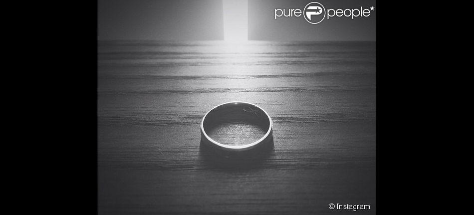 """Shy'm : un anneau qui créé le buzz sur Instagram. """"15 février. To this unique soul."""""""