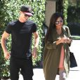 Semi-Exclusif - Naya Rivera et son mari Ryan Dorsey se promènent main dans la main à Los Angeles, le 21 août 2014.