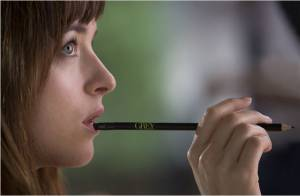 Fifty Shades of Grey: Culottes, martinet... Dakota Johnson, voleuse, se confesse