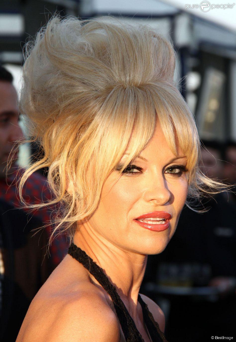 """Pamela Anderson lors du 15ème gala """"Mercy For Animals"""" à West Hollywood, le 12 septembre 2014."""