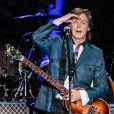 Paul McCartney lors d'un concert au Allianz Parque lors de sa tournée Out There à Sao Paulo, au Brésil le 25 novembre 2014