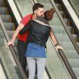 Shia LaBeouf très amoureux avec sa petite amie Mia Goth à Studio City le 28 février 2015.
