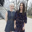 Michelle Williams et Jennifer Connelly lors du défilé Louis Vuitton automne-hiver 2015-2016 à la Fondation Louis Vuitton. Paris, le 11 mars 2015.