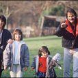 Archives - Michel Fugain avec Stéphanie, Marie et Laurette, en 1983