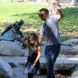 Jessica Alba, son mari Cash Warren et leurs filles Honor et Haven sont allés s'amuser dans un parc à Los Angeles. Le 8 février 2015