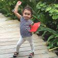 Jade Foret : Liva inséparable de son iPad pour faire tout comme sa maman !