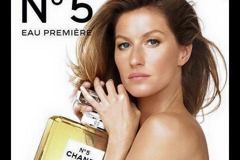 Gisele Bündchen topless pour Chanel