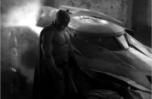 Batman vs. Superman: L'intrigue se dévoile et Jesse Eisenberg se rase le crâne