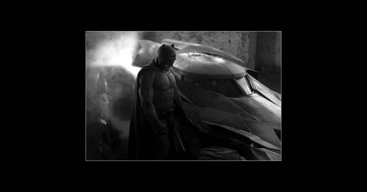 batman vs superman l 39 intrigue se d voile et jesse eisenberg se rase le cr ne. Black Bedroom Furniture Sets. Home Design Ideas