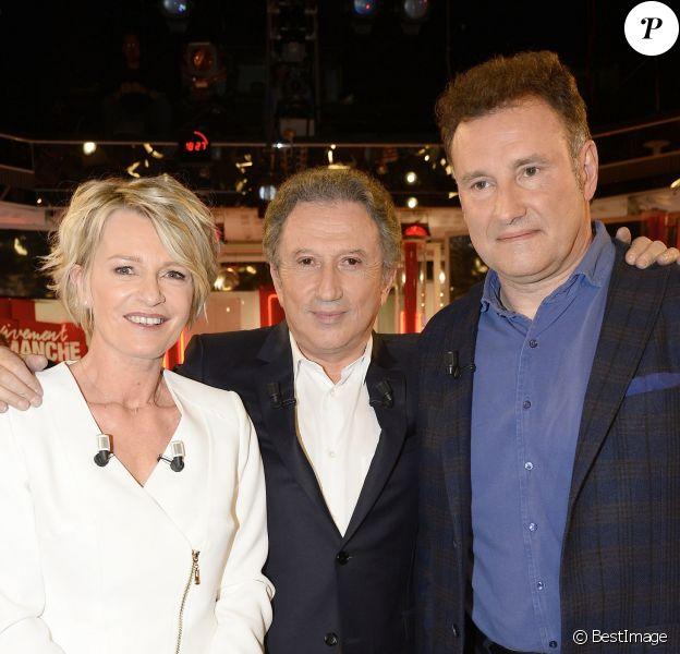 Sophie Davant, Michel Drucker et Pierre Sled - Enregistrement de l'émission Vivement Dimanche à Paris le 1er avril 2015.