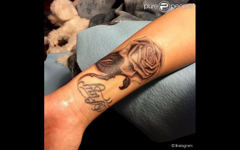 Demi Lovato a fait recouvrir son ancien tattouage, le 7 avril 2015