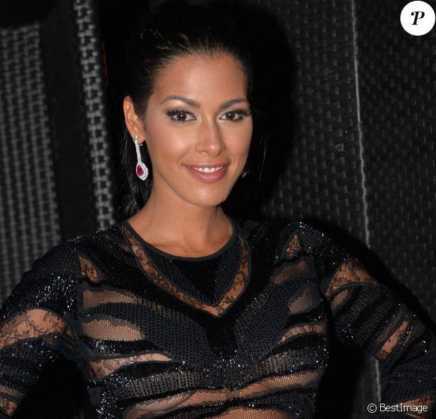 """La belle Ayem Nour en robe transparente - Soirée """"Public Buzz Awards 2015"""" au Showcase à Paris le 1er avril 2015."""