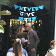 Exclusif - Atteint d'un cancer, Christian Audigier, quitte l'hôpital Cedar Sinaï avec sa femme Nathalie Sorensen à Los Angeles le 6 avril 2015.