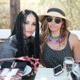 Malia Scharf et Zoe Kravitz lors du Harpers Bazaar Brunch au Soho Desert House, La Quinta, le 11 avril 2015