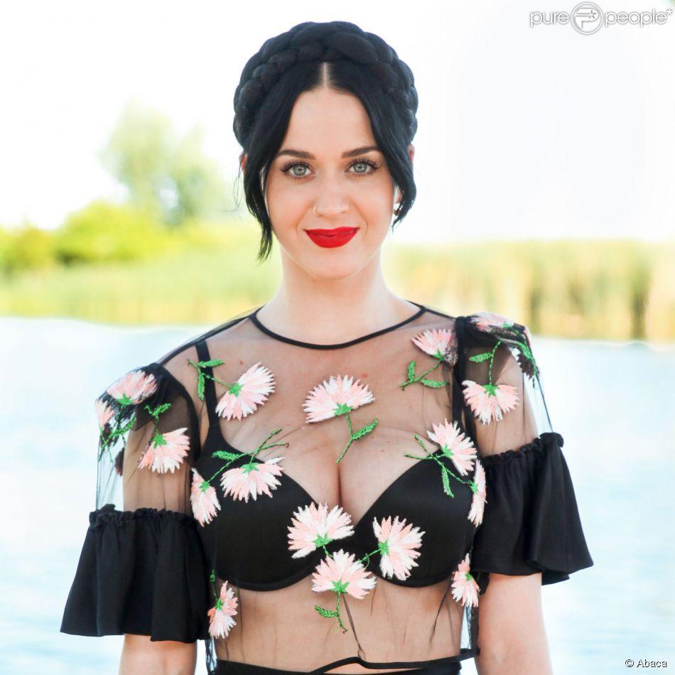 Katy Perry lors du Harpers Bazaar Brunch au Soho Desert House, La Quinta, le 11 avril 2015
