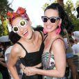 Mia Moretti et Katy Perry à la Pool party organisée par Mac Cosmetics X Mia Moretti au Ingleside Inn, à Palm Springs, le 10 avril 2015