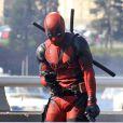 Ryan Reynolds en costume de Deadpool à Vancouver, Canada, le 8 avril 2015
