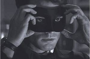 Fifty Shades Darker : Un premier extrait, Jamie Dornan ténébreux et masqué...