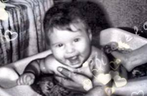 Karine Ferri : Une craquante photo d'elle bébé pour fêter son anniversaire !