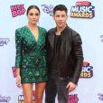 Nick Jonas et sa petite-amie Olivia Culpo - Cérémonie des Disney Music Awards à Los Angeles, le 25 avril 2015.