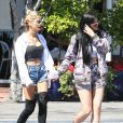 Pia Mia et Kylie Jenner quittent le Mauro's Cafe Fred Segal à Los Angeles, le 28 avril 2015.