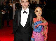 Robert Pattinson et FKA Twigs dans une robe érotique: Le show des fiancés au MET
