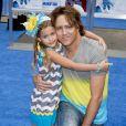"""Larry Birkhead et sa fille Dannielynn à la première des """"Schtroumpfs 2"""" à Los Angeles, le 28 juillet 2013. Huit ans après la mort d'Anna Nicole Smith, Larry semble prêt à retrouver l'amour."""