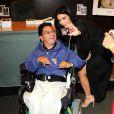 """Kim Kardashian lors d'une séance de dédicaces de son livre """"Selfish"""" à la librairie Barnes & Noble du centre commercial The Grove. Los Angeles, le 7 mai 2015."""