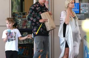 Ashlee Simpson : Très enceinte, mais toujours lookée pour une sortie en famille
