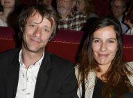 Zoé Félix et Mireille Darc, amoureuses en duo, passent la soirée en 'Open Space'