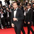 """Jake Gyllenhaal, membre du jury - Montée des marches du film """"La Tête Haute"""" pour l'ouverture du 68e Festival du film de Cannes le 13 mai 2015. Il porte une montre Chopard"""