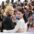 "Cate Blanchett et Rooney Mara - Photocall du film ""Carol"" lors du 68e Festival International du Film de Cannes le 17 mai 2015"