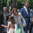 La reine Letizia d'Espagne le 20 mai 2015 à la paroisse Notre-Dame d'Aravaca, dans la banlieue ouest de Madrid, lors de la première communion de sa fille Leonor, princesse des Asturies.