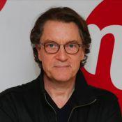 Francis Cabrel : ''J'essaie de programmer ma sortie...''