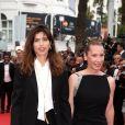 """Emmanuelle Bercot, Maïwenn Le Besco - Montée des marches du film """"La Glace et le Ciel"""" pour la cérémonie de clôture du 68e Festival du film de Cannes, le 24 mai 2015."""