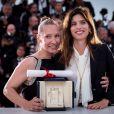 """Emmanuelle Bercot (prix d'interprétation féminine pour le film """"Mon Roi""""), Maïwenn Le Besco - Photocall de la remise des palmes du 68e Festival du film de Cannes, le 24 mai 2014"""