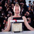 """Emmanuelle Bercot (prix d'interprétation féminine pour le film """"Mon Roi"""") - Photocall de la remise des palmes du 68e Festival du film de Cannes, le 24 mai 2014"""