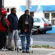 Tracy Morgan entouré de ses amis et sa famille à la sortie d'un barbershop à Cresskill le 15 décembre 2014