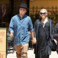 Ashlee Simpson, très enceinte, et son mari Evan Ross sont allés déjeuner à Studio City, le 12 mai 2015