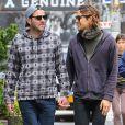 Exclusif - Zachary Quinto se promène, main dans la main, avec son petit ami Miles McMillan dans les rues de New York, le 4 juin 2015