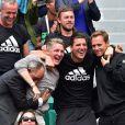 Le joueur de football Allemand Bastian Schweinsteiger assiste à la victoire de sa compagne Ana Ivanovic face à Elina Svitolina lors des Internationaux de France de Roland-Garros à Paris le 2 juin 2015.