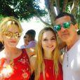 Melanie Griffith et Antonio Banderas se retrouvent à Los Angeles pour la remise de diplôme de leur fille Stella à Los Angeles le 8 juin 2015.
